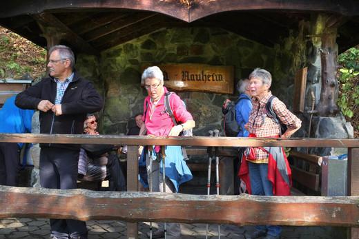 19-10-23 10hr10 Wanderung Berge e.jpg