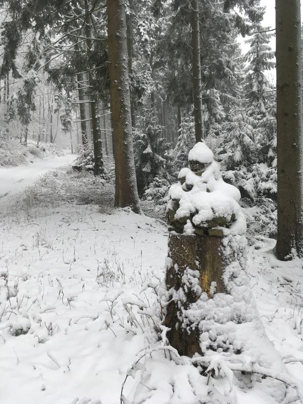 E-Weg Steinmännchen.jpg