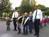 Festzug mit dem amtierenden Königspaar und Hofstaat