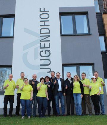 Das Team des Jugendhof begrüßt den Kooperationsvertrag