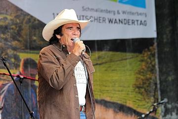 Country-Sänger Tom Astor sorgt für Stimmung