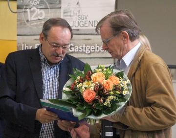 SGV Präsident Thomas Gemke gratuliert Jürgen Erdmann