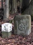 4. Grenzsteine