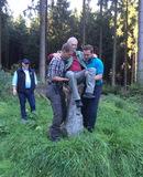 Neubürger Jürgen macht Bekanntschaft mit dem Grenzstein