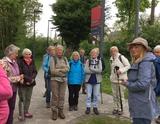 19.05.18 Wanderführerin Vera begrüßt die Gruppe zur Wanderung durch die Eifel  von Nettersheim nach Urft