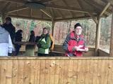 14.12.19 Pause auf unserer Wanderung Wald und Flur im Winter mit Wanderführer Heinz