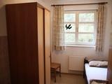Einzel Zimmer zur Unterbringung von Betreuern, Lehrern, etc.
