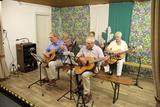 Wie üblich spielte die Gitarrengruppe ein Lied zur Eröffnung.