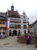 Bild 25 wir sind am Etappenziel: Staufen mit Marktplatz und Rathaus