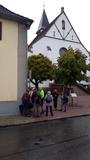 Bild 32 nach der Stärkung warten wir auf den Bus, der uns nach Freiburg bringen soll.