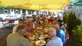 Bild 29 wir lassen es uns bei hessischer Küche im Mittelpunkt der Steinheimer Altstadt, dem Lug ins Land
