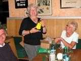 18 beim Abschluss in der Distelhäuser Brauerei, Dank an die Wanderführerin