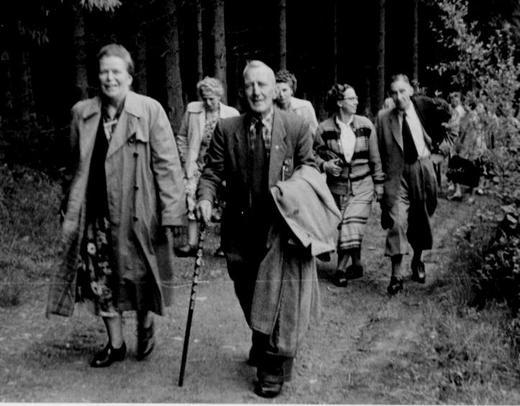 so wurde 1954 gewandert...Andreas Brehmer, Ute Dreier (hinten v rechts)