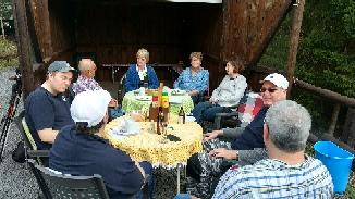 Gemütliche Einkehr in Armins Hütte