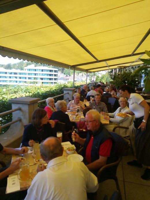 Mittagsessen im Hotel Himmelreich