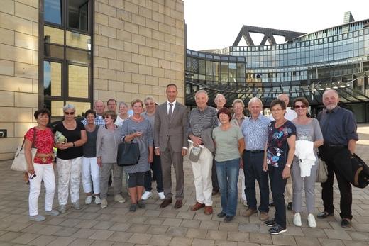 Gruppenfoto: Dank für die Einladung an Jochen Ritter MdL. und Verabschiedung                         Foto: A. Arens
